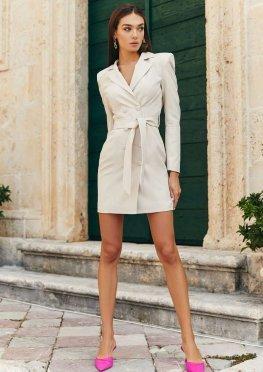 Платье-пиджак цвета слоновой кости