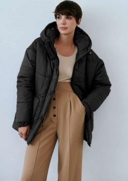 Куртка с поясом черного цвета