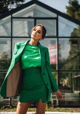 Стильный пиджак зеленого цвета