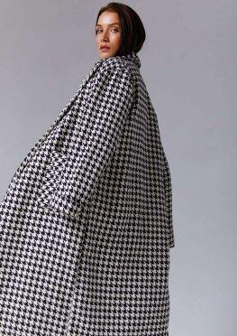 Черно-белое пальто в гусиную лапку