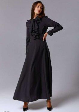 Черное платье макси с воланами