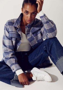 Голубая теплая куртка-рубашка в клетку