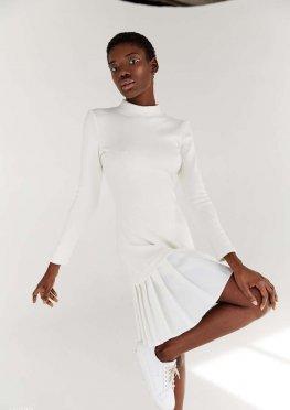 Молочное платье мини с плиссировкой
