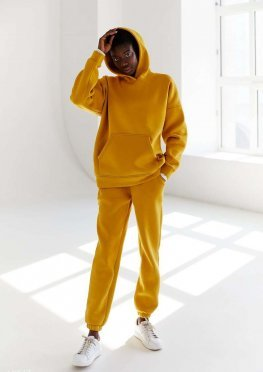 Теплый желтый костюм на флисе