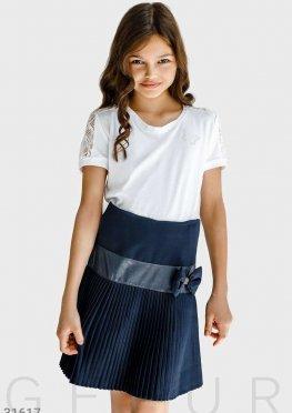 Блуза с мерцающим декором