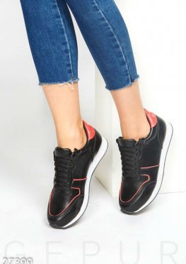 Спортивные кожаные кроссовки