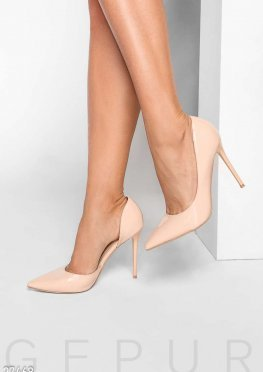Нюдовые лаковые туфли