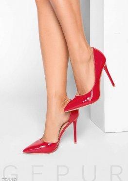 Яркие лаковые туфли