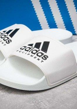 Шлепанцы мужские в стиле Adidas FlipFlops, белые (13511),  [  40 42 43  ]