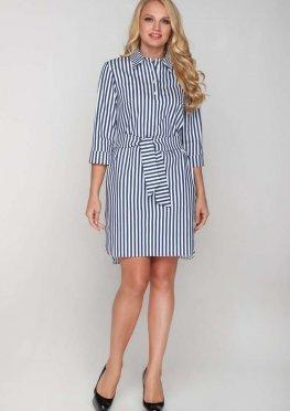 Стильное платье-рубашка в современном стиле в широкую полоску с поясом