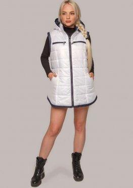 Белый женский жилет с капюшоном на осень / весну в размерах 50-60