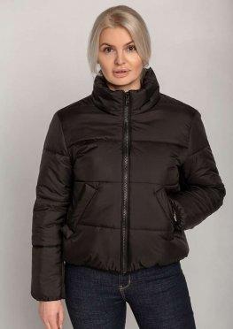 Демисезонная женская куртка с двумя карманами в черном цвете