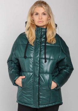 Женская зимняя куртка с капюшоном зеленая
