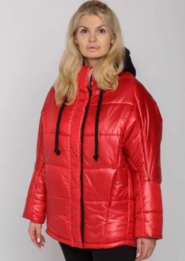 Женская зимняя куртка с капюшоном красная