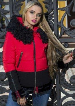 Зимняя женская куртка красного цвета