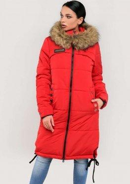 Женская длинная зимняя куртка с мехом красного цвета