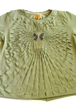 Футболка стильная декорирована бабочкой RAW