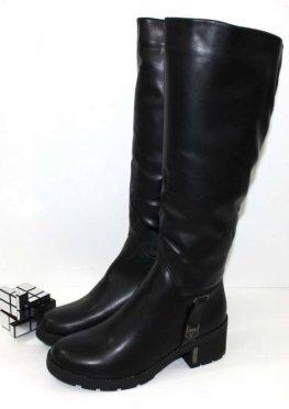 Тёплые женские сапоги  черного цвета