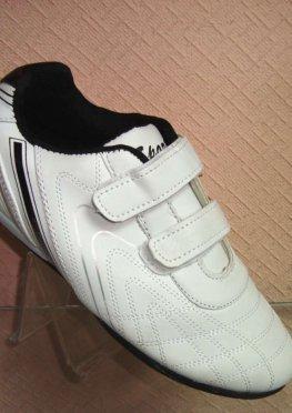 Кроссовки на липучках бело-черные