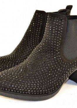 Классные, удобные ботинки в стразах