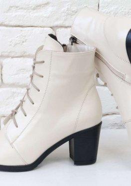 Женские кожаные ботильоны со шнуровкой по всей высоте, на устойчивом каблуке