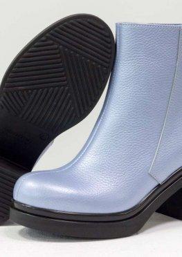 Ботинки из натуральной кожи флотар голубого цвета