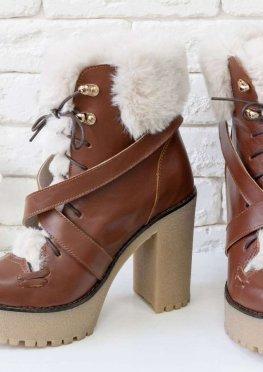 Люксовые кожаные ботильоны светло-коричневого цвета