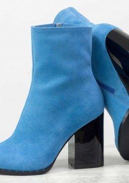 Классические женские ботинки голубого цвета