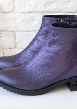 Классические кожаные ботинки в стиле Chanel красивого фиолетового цвета