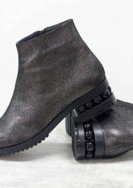 Классические кожаные ботинки в стиле Chanel красивого серебряно-черного цвета