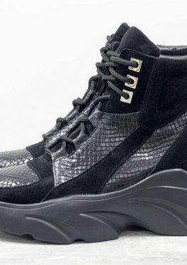 Женские ботинки на шнуровке, из натуральной замши и кожи черного цвета