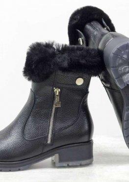 Высокие классические ботинки черного цвета