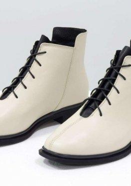 Дизайнерские классические ботинки молочного и черного цвета