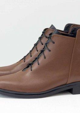 Дизайнерские классические ботинки коричневого цвета