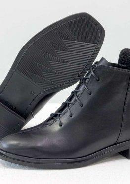 Дизайнерские классические ботинки черного цвета