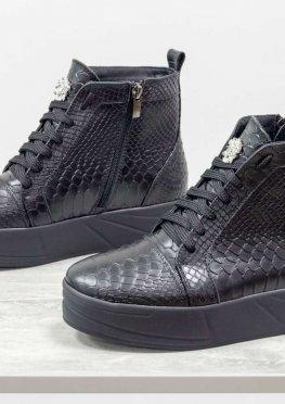 Ботинки женские на шнуровке, из натуральной кожи черного цвета