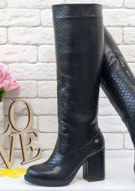 Высокие Сапоги-трубы свободного одевания из натуральной матовой кожи черного цвета
