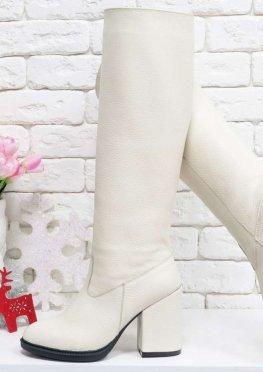Высокие Сапоги-трубы свободного одевания из натуральной кожи флотар молочного цвета