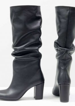 Сапоги-гармошки свободного одевания из натуральной кожи черного цвета