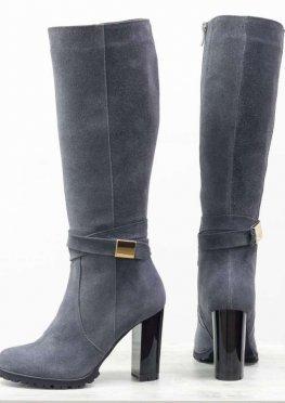 Классические женские сапоги на каблуке из натуральной замши шикарного темно-серого цвета