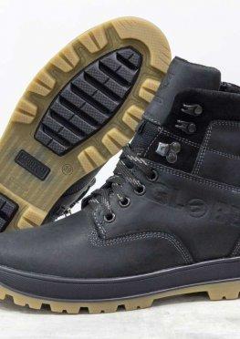 Подростковые зимние ботинки из натуральной матовой кожи черного, на черно-бежевой подошве