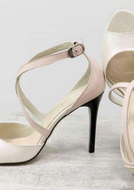 Босоножки на каблуке-шпильке, из натуральной кожи пудрового цвета