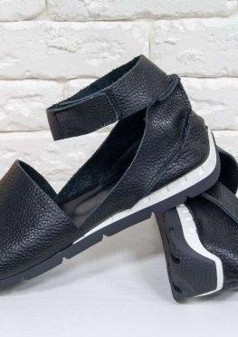 Удобные и легкие босоножки с открытым носиком из натуральной кожи флотар практичного черного цвета