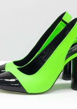 Дизайнерские неоновые туфли на высоком глянцевом каблуке, выполнены из натуральной итальянской кожи салатового и черного цвета