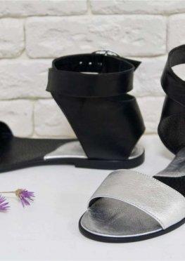 Босоножки из натуральной кожи серебряного и черного цвета