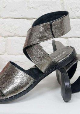 Босоножки из натуральной кожи модного серебряного  цвета