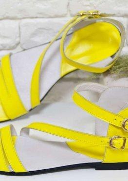 Босоножки из натуральной кожи желтого цвета