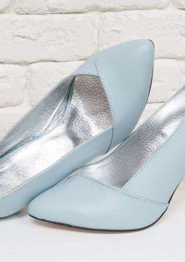 Классические Туфли-лодочки на шпильке из натуральной кожи нежно-голубого цвета