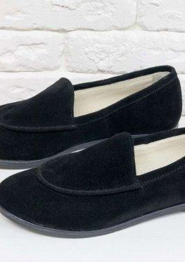 Замшевые туфли-лоферы с отстрочкой в черном цвете