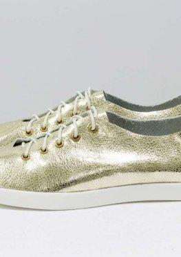Невероятно легкие туфли-кеды из натуральной кожи золотого цвета